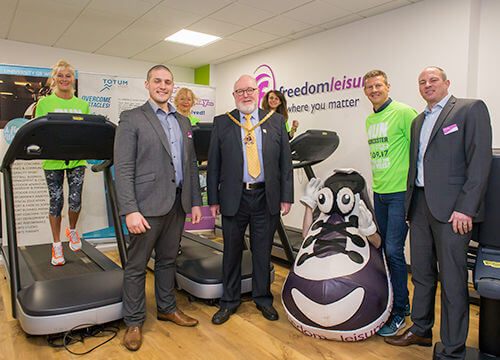 Lee Thomas, Matt Hunt from Freedom Leisure with the Mayor and Steve Cram